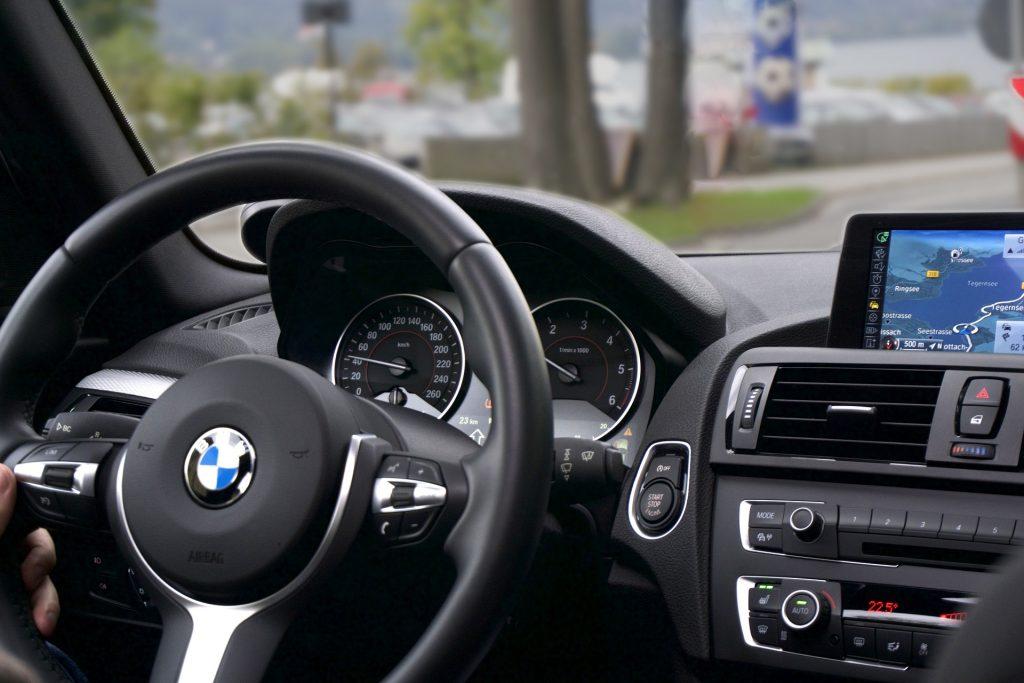 wnętrze auta BMW marki