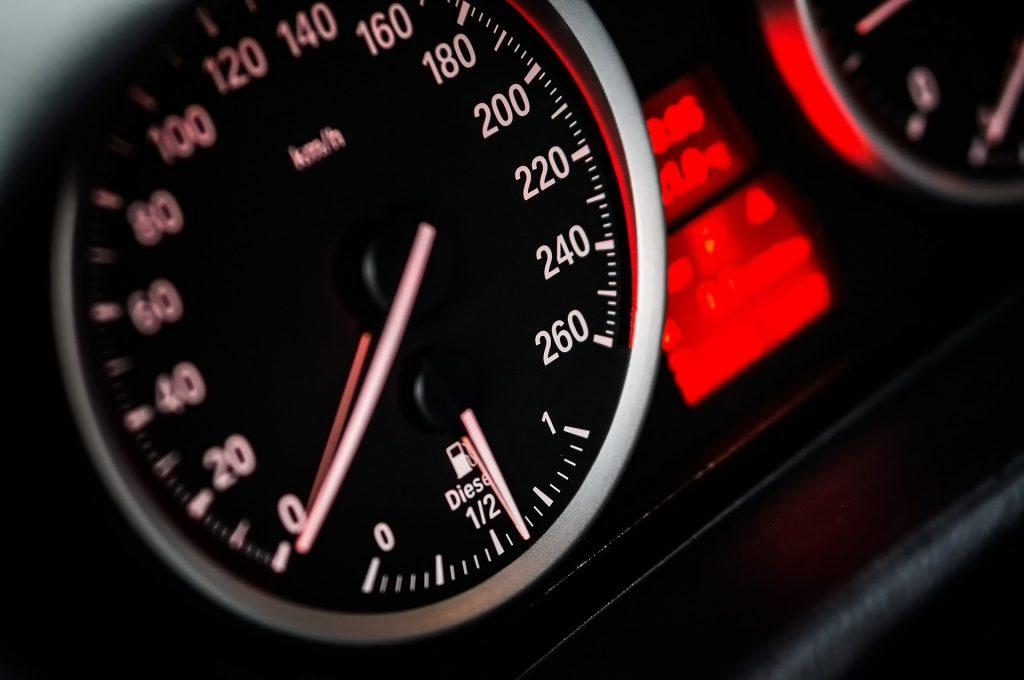 prędkościomierz auta